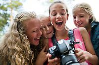 20140805 Vilda-l&auml;ger p&aring; Kragen&auml;s. Foto f&ouml;r Scoutshop.se<br /> foto, kamera, scout, scouter, dag, glad, ler, fyra