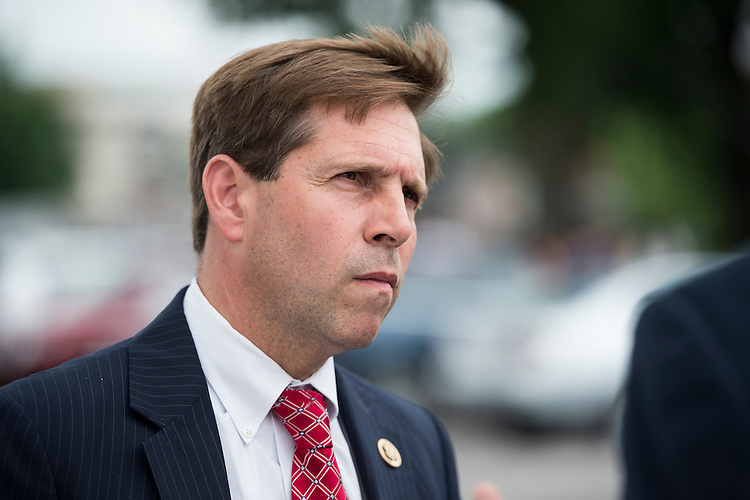UNITED STATES - JUNE 17: Rep. Chuck Fleischmann, R-Tenn., stops to chat as he arrives at the Capitol for votes on Wednesday, June 17, 2015. (Photo By Bill Clark/CQ Roll Call)