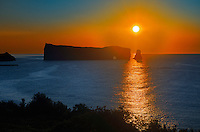 Rocher perc&eacute;  (Perc&eacute; Rock)  and the Atlantic Ocean at sunrise<br /> Perc&eacute; <br /> Quebec<br /> Canada