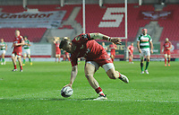 TRY - Scarlets' Steffan Evans scores his sides fifth try<br /> <br /> Photographer Ashley Crowden/CameraSport<br /> <br /> Guinness PRO12 Round 19 - Scarlets v Benetton Treviso - Saturday 8th April 2017 - Parc y Scarlets - Llanelli, Wales<br /> <br /> World Copyright &copy; 2017 CameraSport. All rights reserved. 43 Linden Ave. Countesthorpe. Leicester. England. LE8 5PG - Tel: +44 (0) 116 277 4147 - admin@camerasport.com - www.camerasport.com