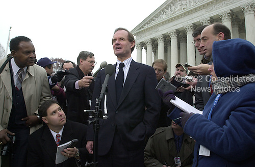 Attorney David Boies, counsel for the Democratic Party nominee for President of the United States, US Vice President Al Gore, meets reporters after pleading before the United States Supreme Court in Washington, DC on the Florida Vote Recount case on December 11, 2000.<br /> Credit: Ron Sachs - CNP