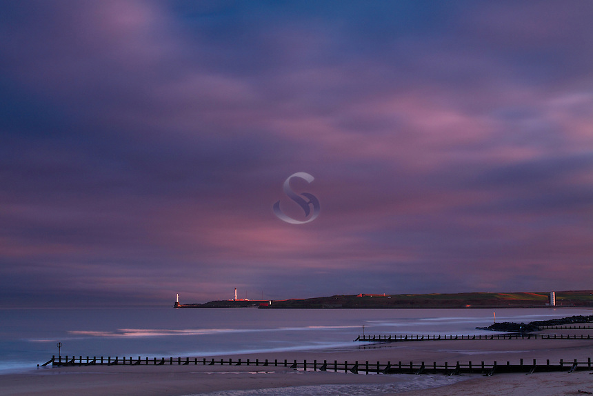 Girdle Ness and the North Sea from Aberdeen Beach at dusk, Aberdeenshire<br /> <br /> Copyright www.scottishhorizons.co.uk/Keith Fergus 2011 All Rights Reserved