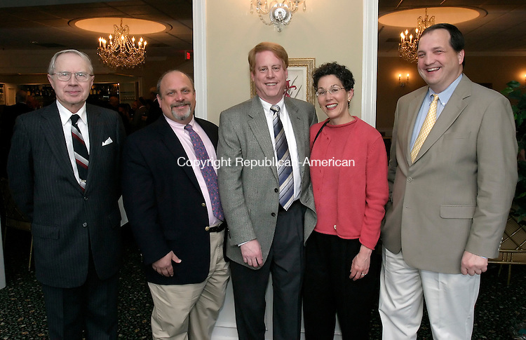 WATERBURY, CT, 13 May 2006- 051306BZ08- From left- Dr. David Reed, of Middlebury, internal medicine; Dr. Steven Schneider, of Cheshire, v.p. of Waterbury Hospital; Dr. Scott Kurtzman, director of surgery at Waterbury Hospital; Dr. Wendy Kellner, physical medicine and rehabilitation, Hospital for Special Care; Dr. Jeffrey Sedlack, of Cheshire, laproscopic surgeon;<br /> during the annual Waterbury Hospital Medical Staff Reception at the Country Club of Waterbury Saturday evening.<br /> Jamison C. Bazinet Republican-American