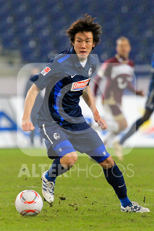 27.11.2010, AWD Arena, Hannover, GER, 1.FBL, Hannover 96 vs SC Freiburg im Bild  v.l.Kisho Yano #22 Foto © nph / Rust