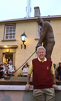US president Bill Clinton in Ballybunion in May 2001.<br /> Picture by Don MacMonagle