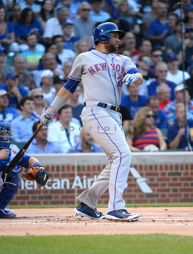 New York Mets James Loney (28) during a game against the Chicago Cubs on July 19, 2016 at Wrigley Field in Chicago, IL. The Mets beat the Cubs 2-1.