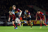 Renaldo Bothma of Harlequins goes on the attack. Gallagher Premiership match, between Harlequins and Saracens on October 6, 2018 at the Twickenham Stoop in London, England. Photo by: Patrick Khachfe / JMP