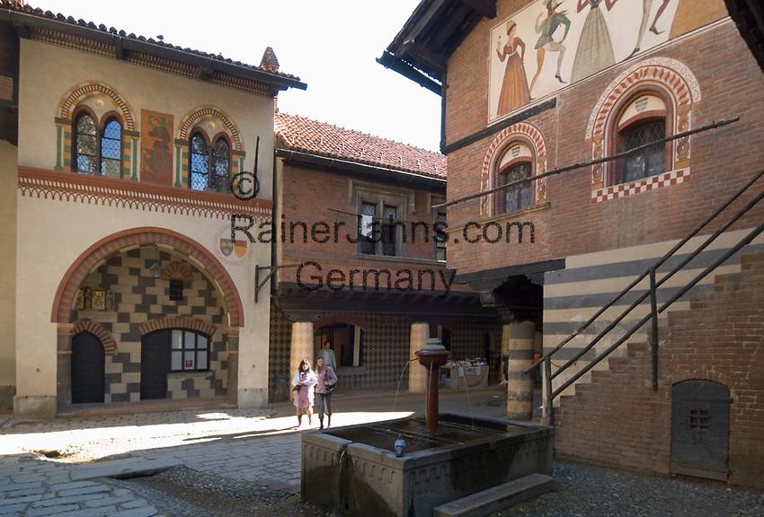 Italien, Piemont, Hauptstadt Turin: Borgo Medievale im Parco del Valentino   Italy, Piedmont, capital Torino: Borgo Medievale at Parco del Valentino