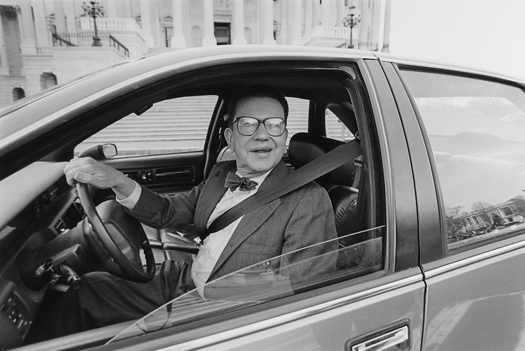 Sen. Paul Simon, D-Ill., spotted leaving Capitol Hill, said he is going home on April 8, 1996. (Photo by Laura Patterson/CQ Roll Call)