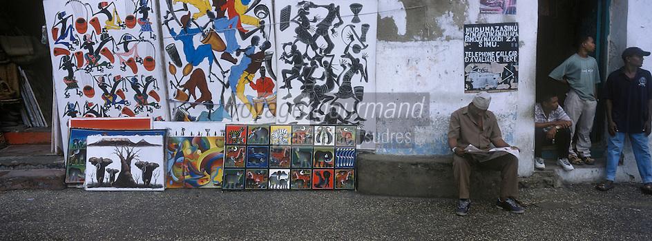 Afrique/Afrique de l'Est/Tanzanie/Zanzibar/Ile Unguja/Stone Town: scene de rue, marchand d'art et d'artisanat