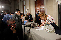 The press surprised for the lack of news from both Quirinale or Prime Minister<br /> Roma 29/05/2018. Quirinale sala stampa. Il Premier incaricato è salito al Colle ma è uscito senza rilasciare dichiarazioni. <br /> Rome May 29th 2018. Quirinale press room. Waiting for the newly appointed Italian Premier that, after his meeting with the President of the Republic, didn't release statements to the press. <br /> Foto Samantha Zucchi Insidefoto