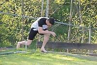 FIERLJEPPEN: BURGUM: april 2015, Fierljeptraining, Bart Helmholt, ©foto Martin de Jong