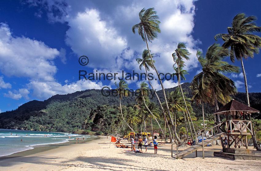 Trinidad & Tobago, Commonwealth, Trinidad, Maracas Bay; famous beach in the north