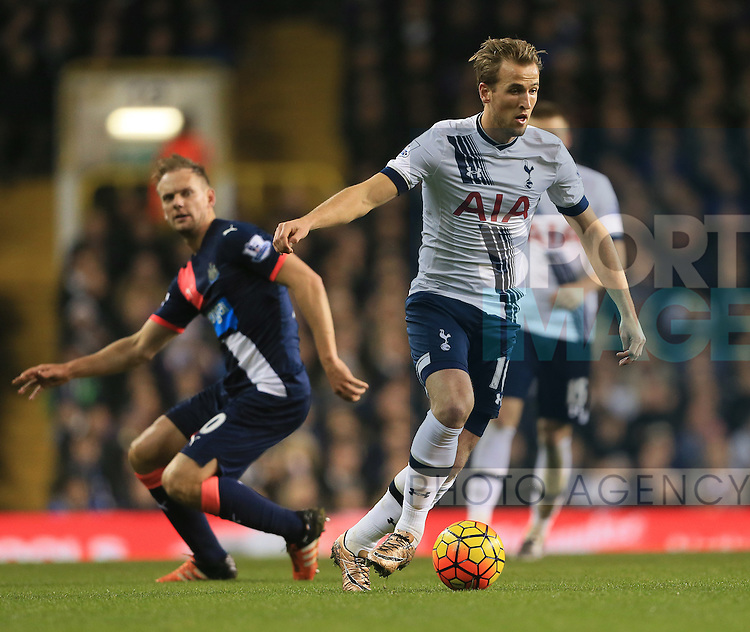Tottenham's Harry Kane in action<br /> <br /> Barclays Premier League- Tottenham Hotspur vs Newcastle United - White Hart Lane - England - 13th December 2015 - Picture David Klein/Sportimage
