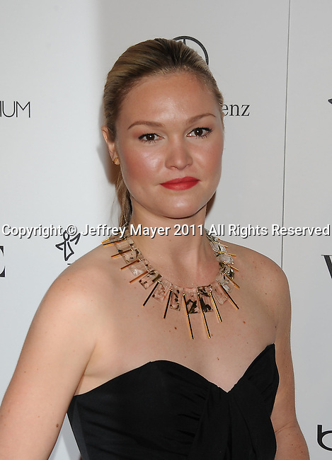 "LOS ANGELES, CA - January 15: Julia Stiles arrives at Art Of Elysium's 4th Annual ""Heaven"" Charity Gala at California Science Center's Wallis Annenberg Building on January 15, 2011 in Los Angeles, California."