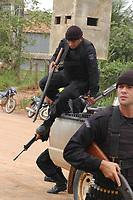 Polícia federal , ouvidoria agrária e ministério público chegam para participar das investigações iniciadas pela polícia civil do estado e secretaria de segurança pública.<br /> <br /> <br /> lideranças sindicais, trabalhadores rurais e membros da igreja discutem em grande assembléia sobre a situação legal na região.<br /> <br /> Assassinato irmã Dorothy Stang<br /> Irmã Dorothy foi assassinada brutalmente as 7: 30 da manhã do dia 12/02/2005 ao sair de uma casa no assentamento feito pelo Incra conhecido como PDS Esperança. Conforme os levantamentos preliminares a religiosa foi morta com 9 tiros<br /> <br /> Anapú, Pará, Brasil<br /> ©Paulo Santos<br /> 16/02/2005