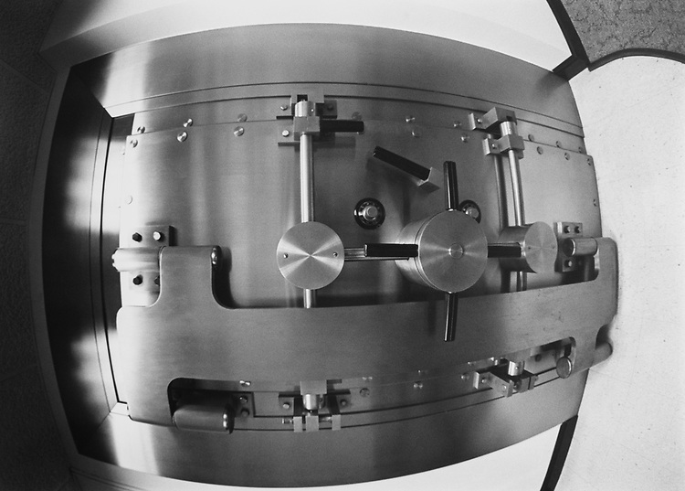 Close-up of Bank vault in December 1992. (Photo by Maureen Keating/CQ Roll Call via Getty Images)