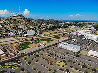 Paisaje urbano, paisaje de la ciudad de Hermosillo, Sonora, Mexico. Synthetic grass fields, softball, big league dreams. Cerro de la Campana. <br /> campos de pasto sintetico, softboll,  big league dreams. Galerias Mal. Estacionamiento<br /> Urban landscape, landscape of the city of Hermosillo, Sonora, Mexico.<br /> (Photo: Luis Gutierrez /NortePhoto)