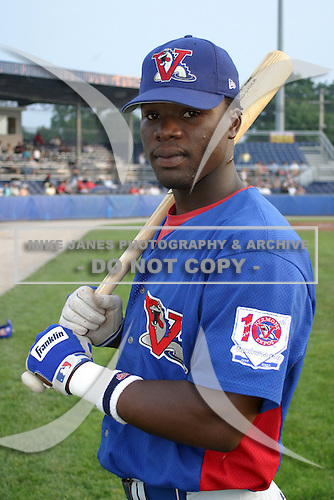 August 15, 2003:  Lorvin Louisa of the Vermont Expos during a game at Dwyer Stadium in Batavia, New York.  Photo by:  Mike Janes/Four Seam Images
