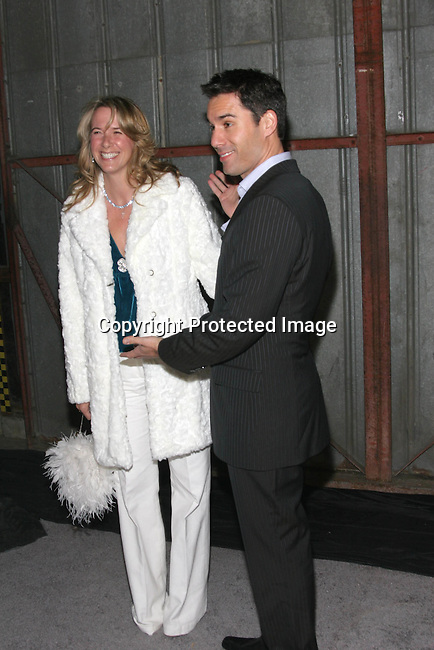 Jennie Garth &amp; Peter Facinelli <br />Sean &ldquo;P. Diddy&rdquo; Combs and Jessica Lange Named &ldquo;Man and Woman of Style&rdquo; for Divine Design 2004 <br />Barker Hangar at Santa Monica Air Center<br />Santa Monica, CA, USA<br />Thursday, December 2nd, 2004<br />Photo By Celebrityvibe.com/Photovibe.com, <br />New York, USA, Phone 212 410 5354, <br />email: sales@celebrityvibe.com