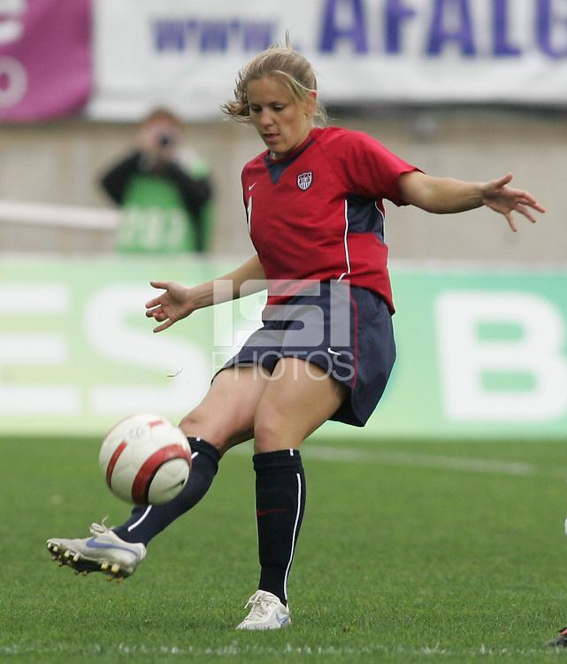 MAR 15, 2006: Faro, Portugal:  Catherine Whitehill, Birgit Prinz