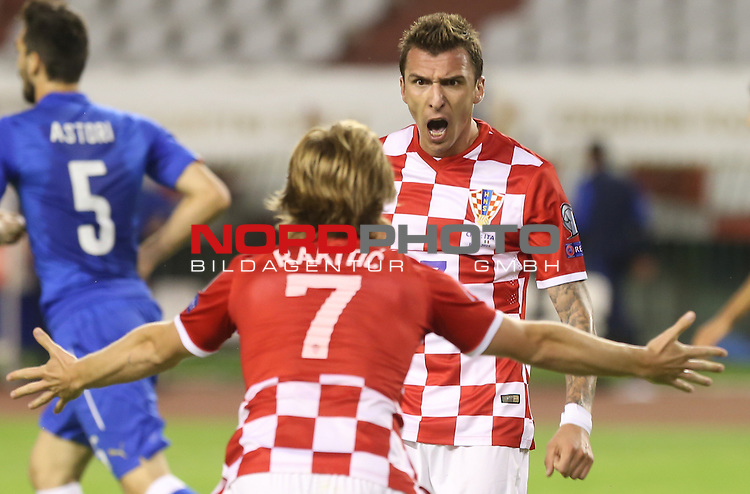 12.06.2015., Croatia, stadium Poljud, Split - Qualifying match for the European Championship to be held in 2016 in France, Group H, Round 6, Croatia - Italy.  Ivan Rakitic, Mario Mandzukic<br />  <br /> Foto &copy;  nph / PIXSELL / Ivo Cagalj