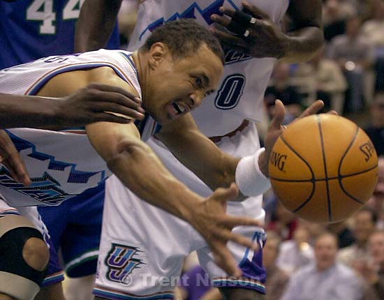 John Starks loses the ball as the Utah Jazz face the Dallas Mavericks in game five of their first round playoff series, in Salt Lake City Thursday.  05/03/2001<br />