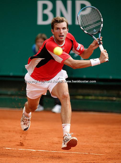 17-4-06, Monaco, Tennis,Master Series, Julien Benneteau in action against Hernych