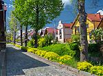 Nowy Wiśnicz 11-05-2019. Centrum miasta Nowy Wiśnicz, ulica Zamkowa.<br /> City center of Nowy Wiśnicz.