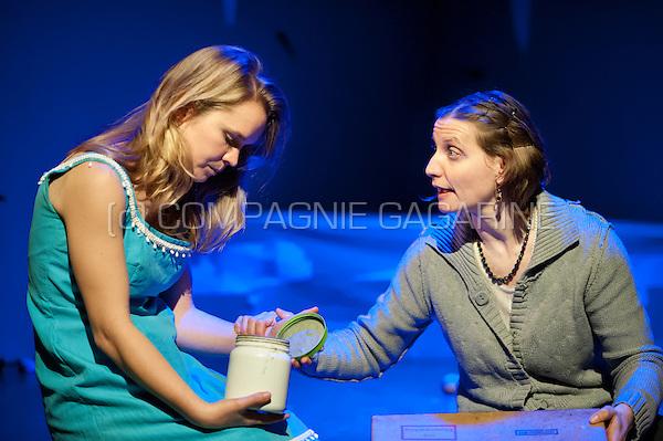 Theatre company de Reynaertghesellen playing Yerma Vraagt Een Toefeling from Dimitri Verhulst, directed by Marnick Bardyn (Belgium, 12/01/2016)