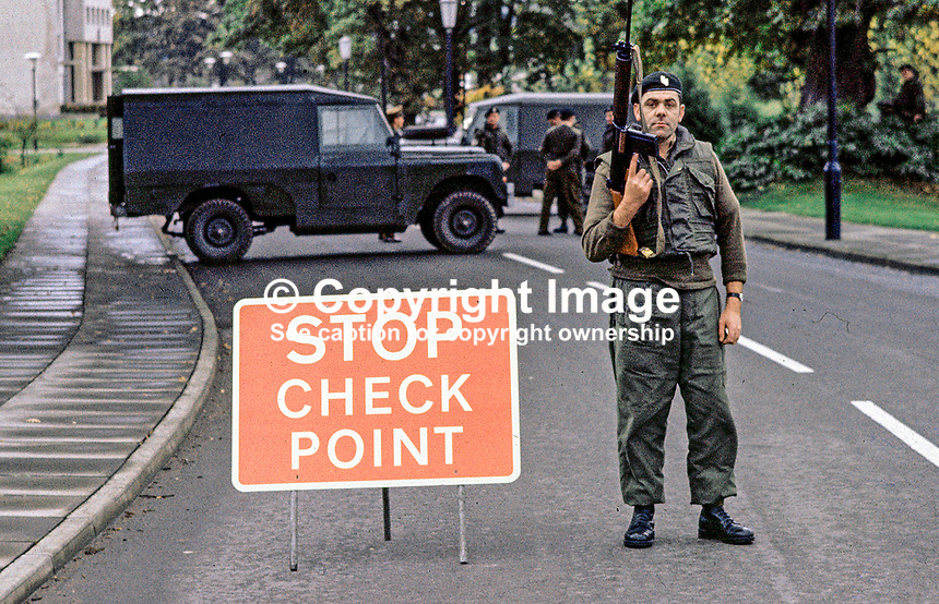 UDR vehicle checkpoint, Belfast, N Ireland, 444/71, 197110000444b.<br />