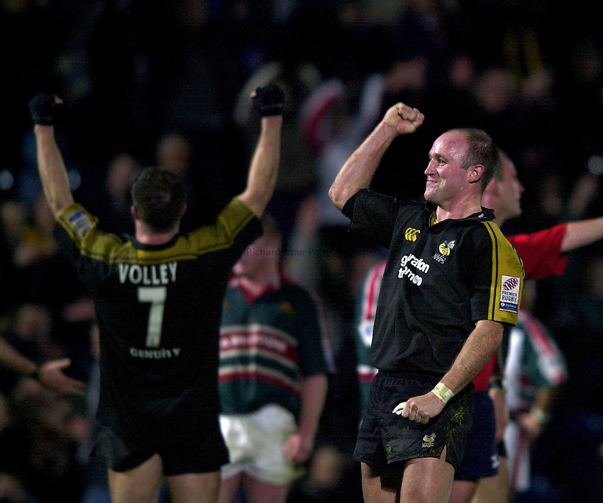 Photo. Richard Lane.London Wasps v Leicester Tigers at Adams Park. Zurich Premiership. 27/12/2002.Alex King celebrates victory over the Tigers.
