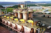 Cia. Vale do Rio Doce, Serra Sossego, flotagem.<br />Canãa dos Carajás-Pará-Brasil<br />Foto: Paulo Santos/ Interfoto<br />Negativo 135 Nº 8501 T6  F18a