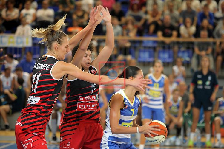 XXVIII Lliga Catalana Femenina 2016.<br /> Cadi La Seu vs Spar Citylift Girona: 71-57.<br /> Kristina Alminaite, Artemis Spanou &amp; Belen Arrojo.