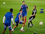 Spanje, Barcelona, 20 oktober 2014<br /> Seizoen 2014-2015<br /> Champions League<br /> Training Ajax in Camp Nou<br /> Frank de Boer, trainer-coach van Ajax doet mee met de rondo
