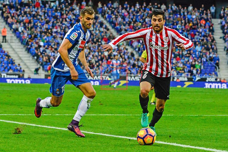 League Santander 2016/2017. Game: 11.<br /> RCD Espanyol vs Athletic Club: 0-0.<br /> Leo Baptistao vs Eneko Boveda.