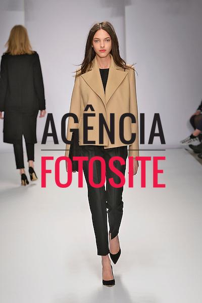 Londres, Inglaterra &ndash; 02/2014 - Desfile de Jasper Conran durante a Semana de moda de Londres - Inverno 2014.&nbsp;<br /> Foto: FOTOSITE