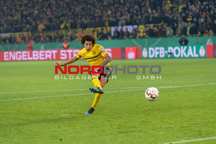 05.02.2019, Signal Iduna Park, Dortmund, GER, DFB-Pokal, Achtelfinale, Borussia Dortmund vs Werder Bremen<br /> <br /> DFB REGULATIONS PROHIBIT ANY USE OF PHOTOGRAPHS AS IMAGE SEQUENCES AND/OR QUASI-VIDEO.<br /> <br /> im Bild / picture shows<br /> Axel Witsel<br /> <br /> Foto © nordphoto / Ewert