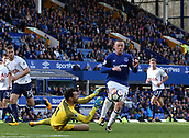 9th September 2017, Goodison Park, Liverpool, England; EPL Premier League Football, Everton versus Tottenham; Wayne Rooney of Everton chases into the penalty area but Hugo Lloris, Tottenham goalkeeper is first to the ball