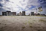 ALMERE - Woningbouw door particulieren in de nieuwe Almeerse woonwijk Homeruskwartier, onderdeel van Almere-Poort waar zo'n 3000 woningen zelfstandig door de bewoners mogen worden ontworpen en gebouwd zonder toetsing van de welstandscommissie. COPYRIGHT TON BORSBOOM
