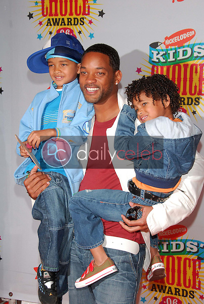 Will Smith and his sons<br />at Nickelodeon's 19th Annual Kids' Choice Awards. Pauley Pavilion, Westwood, CA. 04-01-06<br />Dave Edwards/DailyCeleb.com 818-249-4998