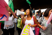 SÃO PAULO,SP, 06.10.2015 - PROTESTO-SP - Estudantes de escolas estaduais fazem protesto por melhores condições de ensino e contra o fechamento de escolas e mudanças no sistema estadual de ensino ato no vão do Masp nesta terça-feira 06. (Foto: Gabriel Soares/Brazil Photo Press)