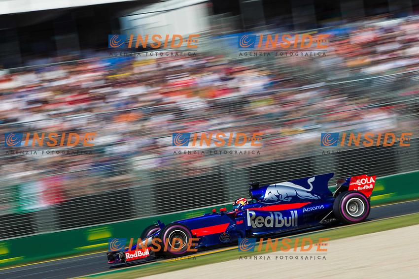 Daniil Kvyat (RUS) Scuderia Toro Rosso STR12 at Formula One World Championship, Rd1, Australian Grand Prix, Race, Albert Park, Melbourne, Australia, Sunday 26 March 2017.<br /> Foto Sutton/Panoramic/Insidefoto