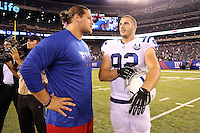 Die beiden Deutschen im Gespraech: DT Markus Kuhn (Giants) und DE Bjoern Werner (Colts) - New York Giants vs. Indianapolis Colts, Met Life Stadium