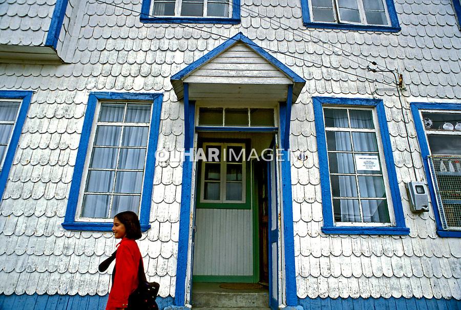 Fachada de casa em Chiloe. Chile. 2001. Foto de Vinicius Romanini.