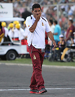 IBAGUE -COLOMBIA, 7-07-2013. Carlos Castro director técnico del Deportes Tolima en acción durante partido contra el Itagüi ,torneo Liga Postobón, fecha 6, de la Liga Postobón 2013-1 jugado en el estadio Manuel Murillo Toro de la ciudad de Ibagué./ Carlos Castro Director Tolima coach in action during match against  Itagui Postobón League tournament, dated 6, the League played in 2013-1 Postobón Manuel Murillo Toro stadium in Ibague<br /> . Photo: VizzorImage/ Felipe Caicedo/ STAFF