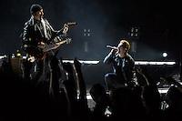 20151207 U2 in concerto