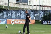 SÃO PAULO, SP, 29.05.2015 - FUTEBOL-CORINTHIANS - Tite treinador  do Corinthians durante sessão de treinamento no Centro de Treinamento Joaquim Grava na região leste de São Paulo nesta sexta-feira, 29. (Foto: Marcos Moraes/Brazil Photo Press)