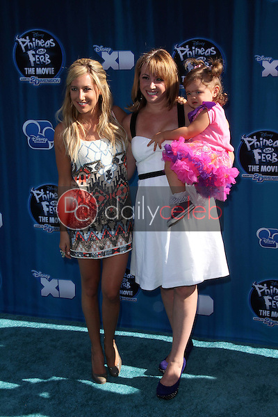 Ashley Tisdale, Jennifer Tisdale<br />