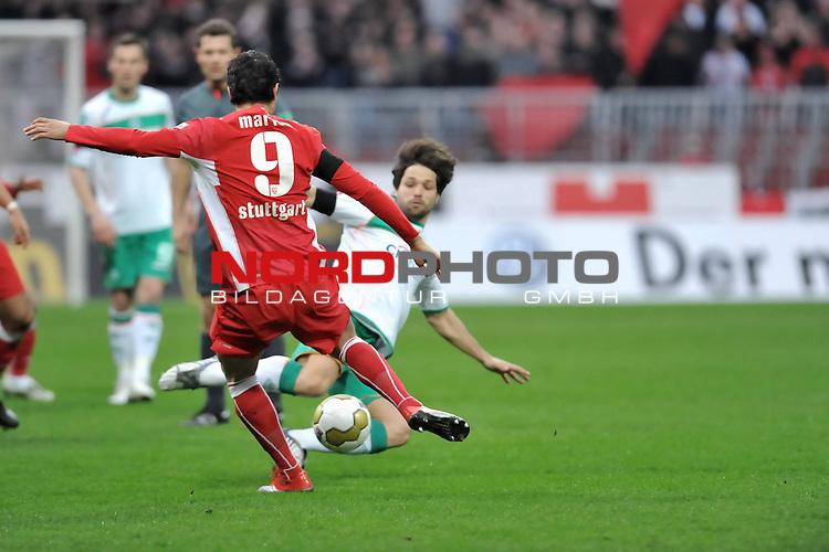 FBL 2008/2009 24. Spieltag Rueckrunde<br />  Werder Bremen - VFB Stuttgart<br /> <br /> Diego ( Bremen BRA #10 ) gegen Ciprian Marica (VFB #09)<br /> <br /> Foto &copy; nph (nordphoto )